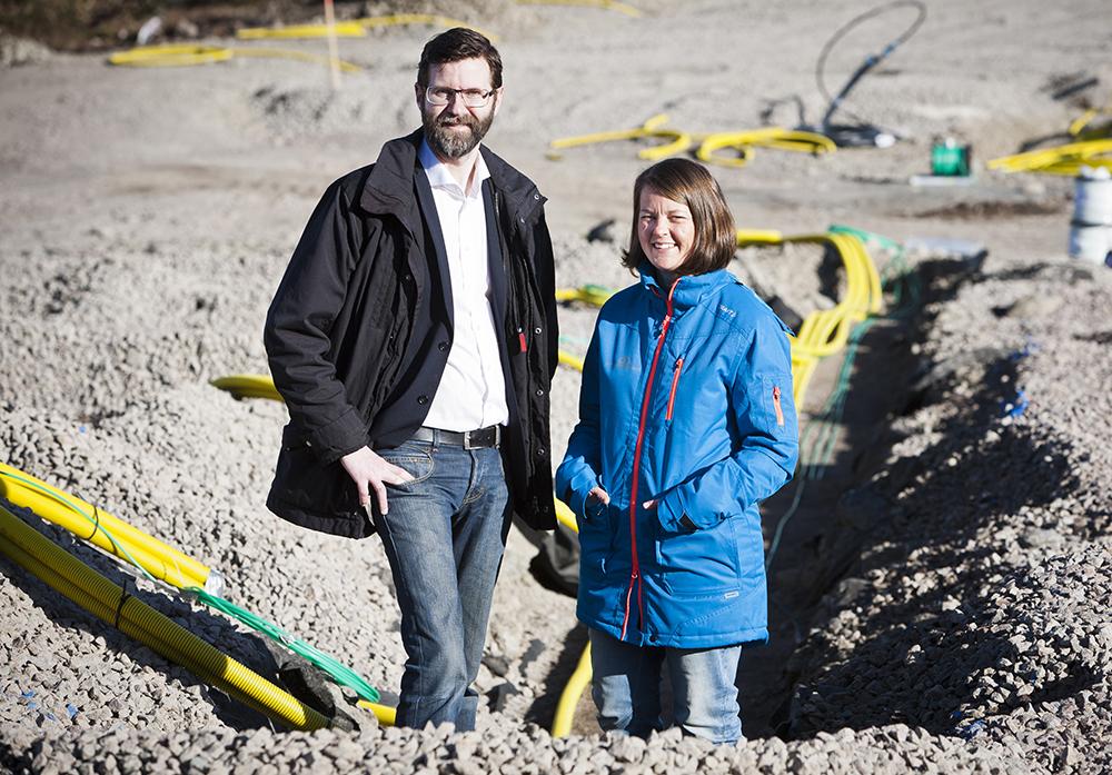 Erik Windt Wallenberg, byggchef och Annika Carlsson, projektutvecklare på Egnahemsbolaget. Foto: Patrik Bergenstav