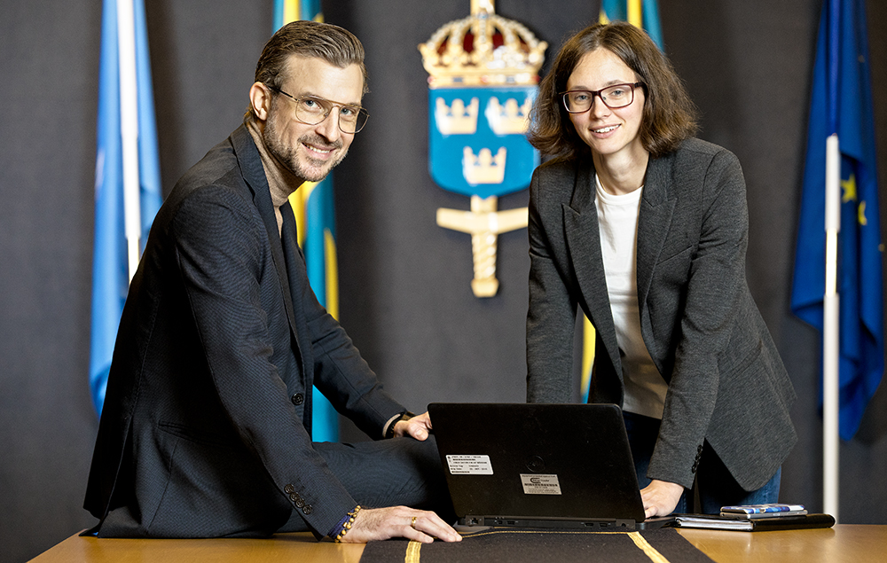 David Olgart och Amanda Renström, civilingenjörer på Försvarsmakten. Foto: Gonzalo Irigoyen