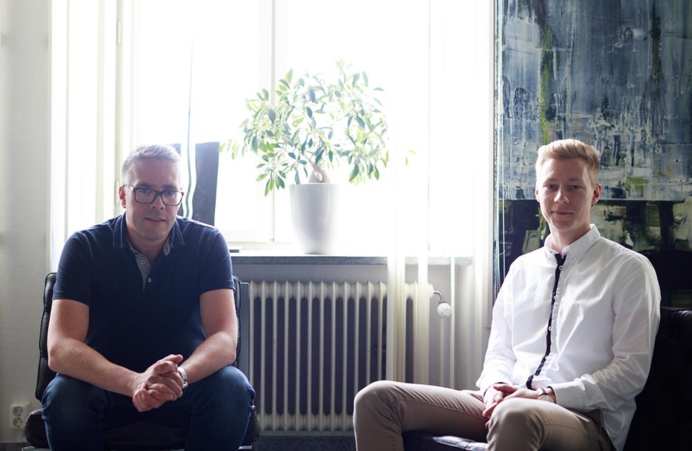 Jonas Andersson och Johan Granberg på samhällsbyggnadskontoret i Umeå. Foto: Emil Nyström