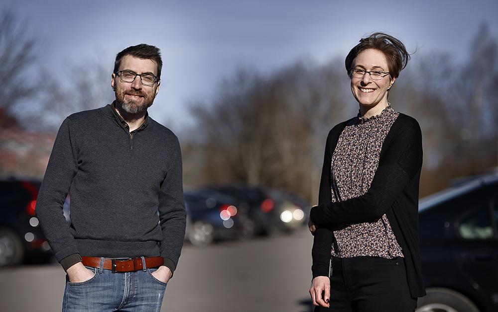 Matts Björck och Åsa Andersson trivs på FOI. Foto: Lasse Hejdenberg